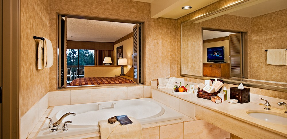 Tenaya Lodge Spa Room