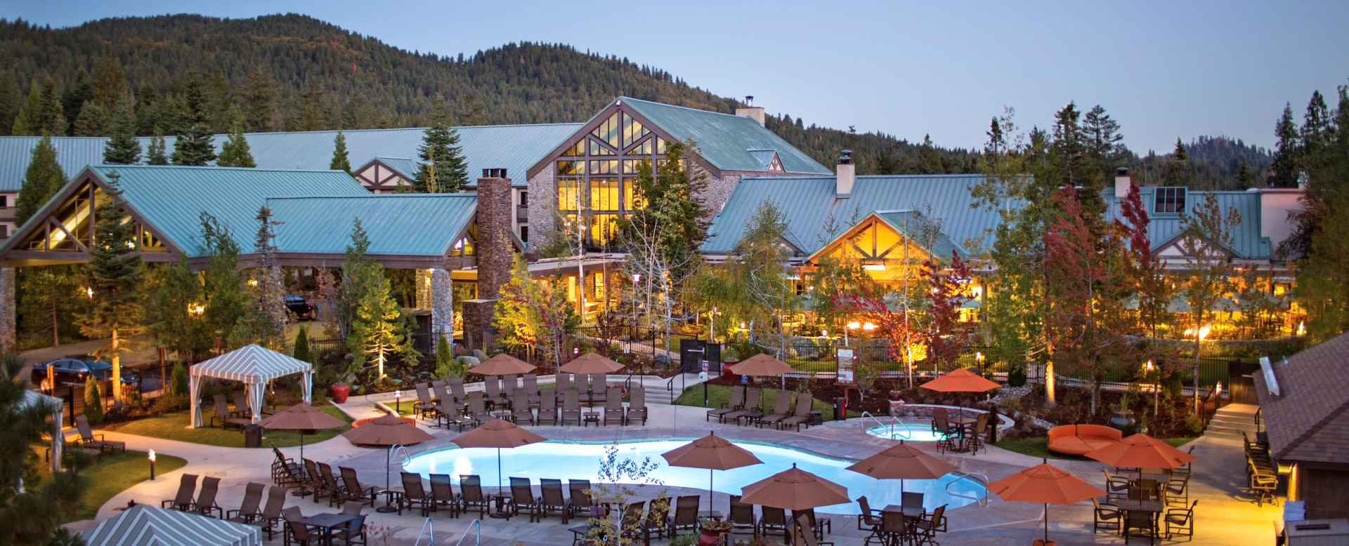 Tenaya Lodge at Yosemite - exterior dawn